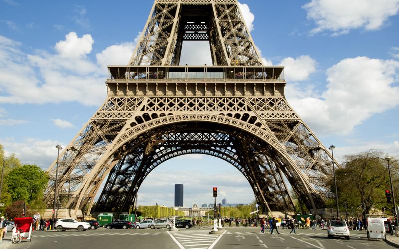 billet gratuit la tour eiffel pour chaque petit parisien chantillons gratuits france. Black Bedroom Furniture Sets. Home Design Ideas