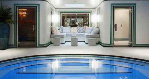 1 an dans les plus beaux hôtels de Paris