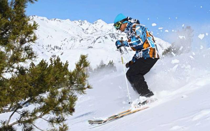 s jour au ski d 39 une semaine pour 2 personnes en h tel 4. Black Bedroom Furniture Sets. Home Design Ideas