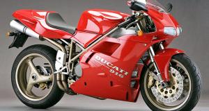 Moto d'occasion Ducati de 1997 (valeur 20 000 euros)