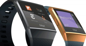 2 montres connectées Fitbit Ionic