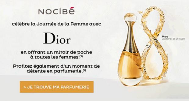 Miroir de poche offert par Dior sur simple visite en boutique