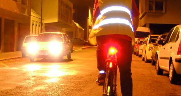 Distribution gratuite d'éclairage pour vélo à Toulouse