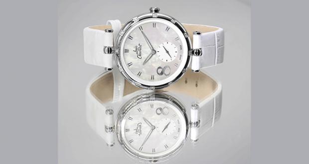 Une montre Louis Chevrolet sertie de 12 diamants offerte