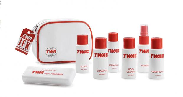 Une trousse de toilette avion TWA Hotel offerte