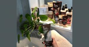 Lot de 6 produits de soins Desert Essence offert