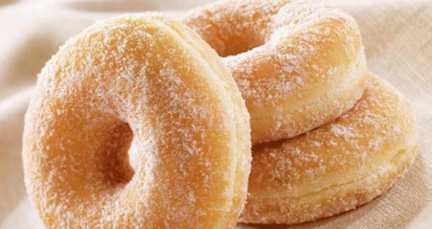 1 donut au sucre offert aux 500 premières personnes