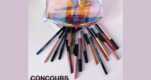 Lot de maquillage contenant 10 Color Pencil et 14 Smoky Shadow