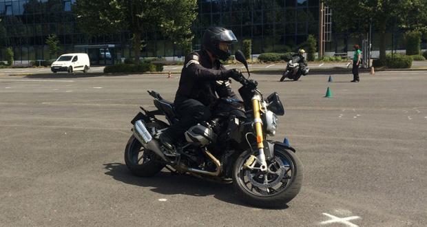 Stage de perfectionnement de conduite moto AutonomeHiver Gratuit