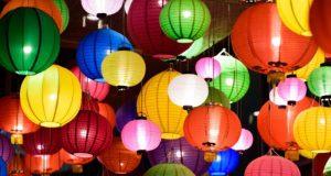 Distribution gratuite de lampions et torches
