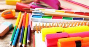 10 box de fournitures scolaires offertes